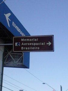Como fiquei perdido durante um tempinho em São José dos Campos quando vi es-ta placa me emocionei *_*